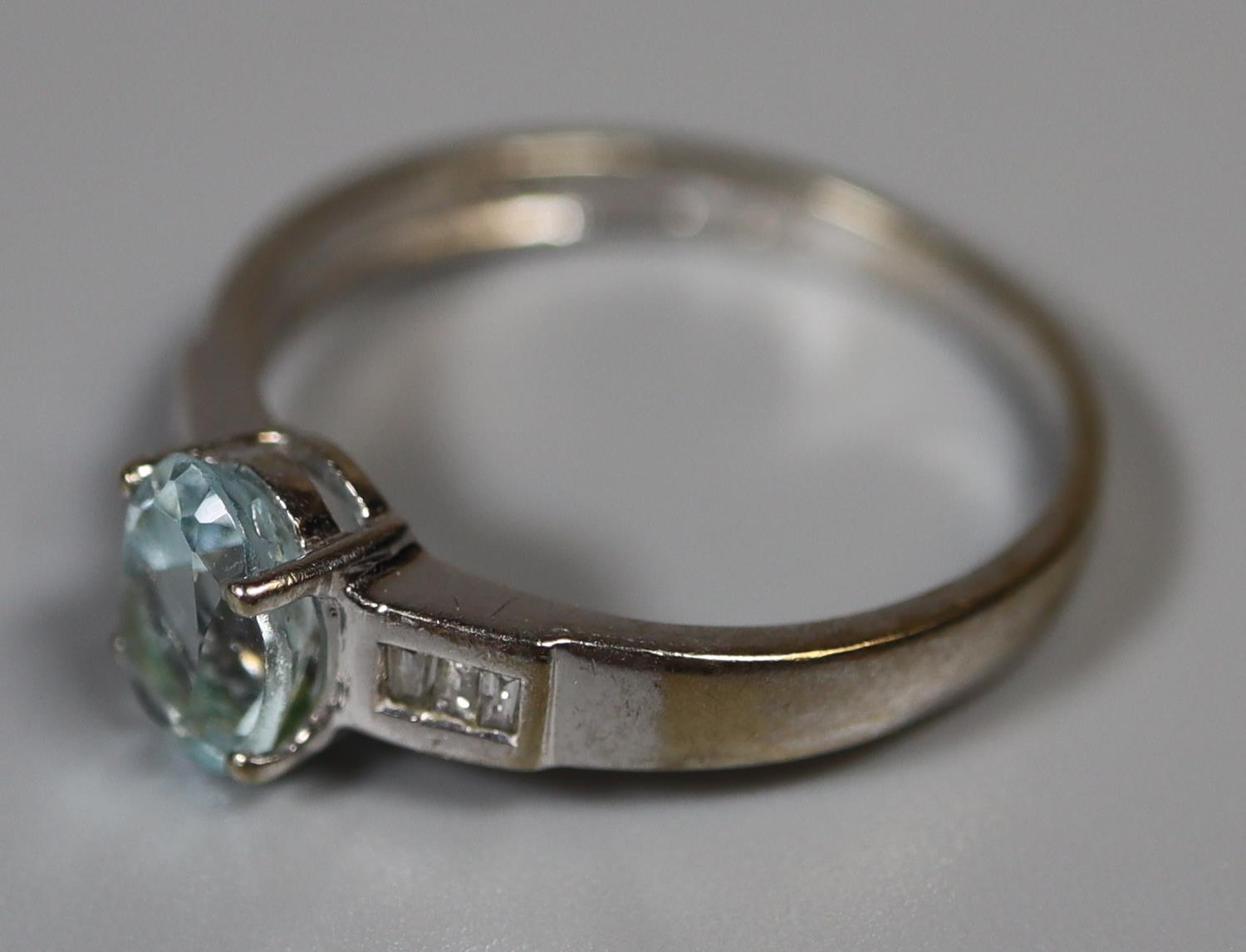 9ct white gold aquamarine and diamond ring. Ring size M. Approx weight 2 grams. (B.P. 21% + VAT) - Image 3 of 3