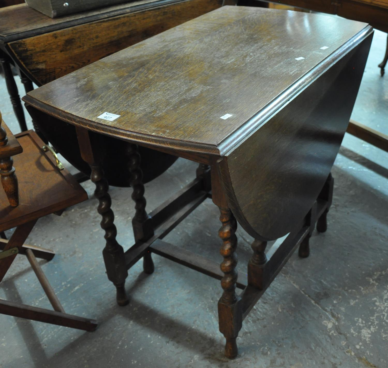 Early 20th century oak barley twist gate leg table. (B.P. 21% + VAT)