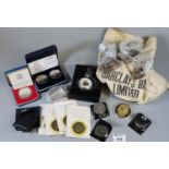 Box of assorted coins to include commemorative, Queen Elizabeth II 80th birthday £5 pair GB and