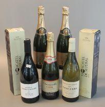 Collection of alcohol to include two Champagne Gean-Paul deVille Carte D'ior, Donacella Cava,