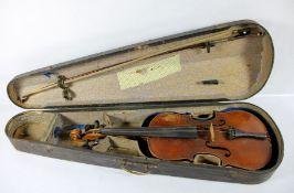 KindergeigeGeige für Kinder, in Geigenkasten mit Bogen, Kasten u. Bogen mit kleinen Beschäd