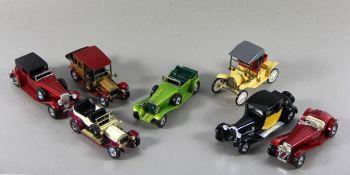 Konvolut Matchbox-Autos7tlg. Konvolut, davon 6 versch. Matchbox-Autos, anbei 1 Rami-Auto, Ge