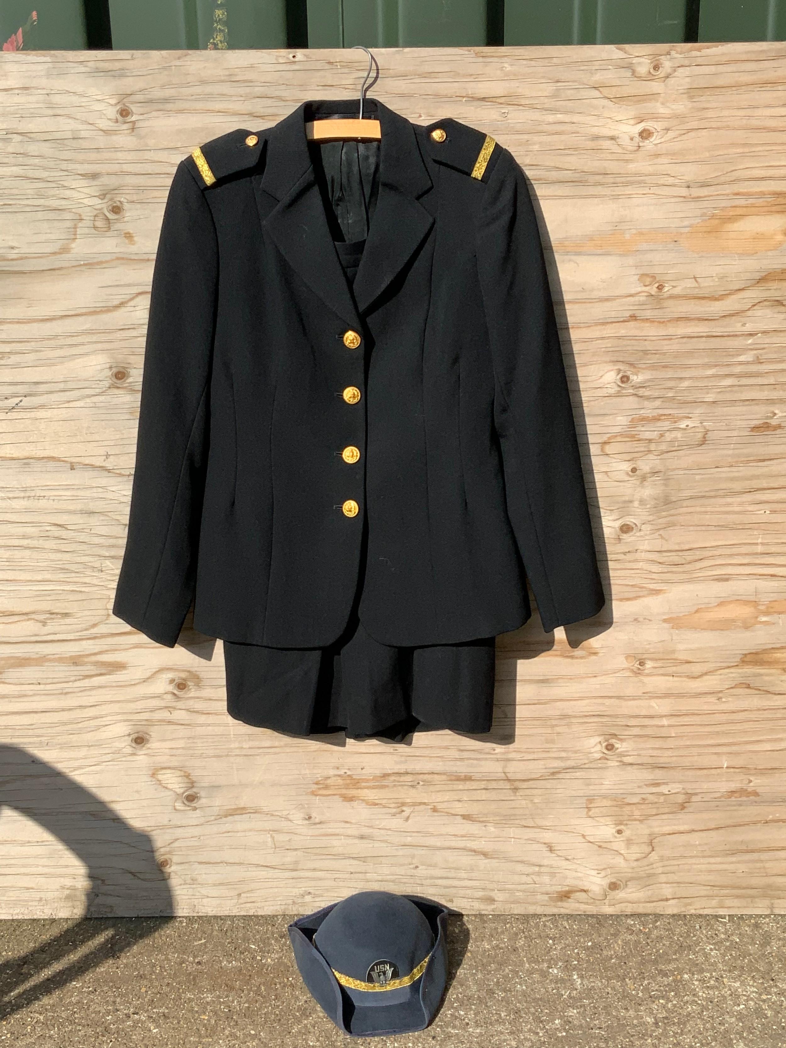 United States Navy Female Officers Uniform - Image 2 of 3