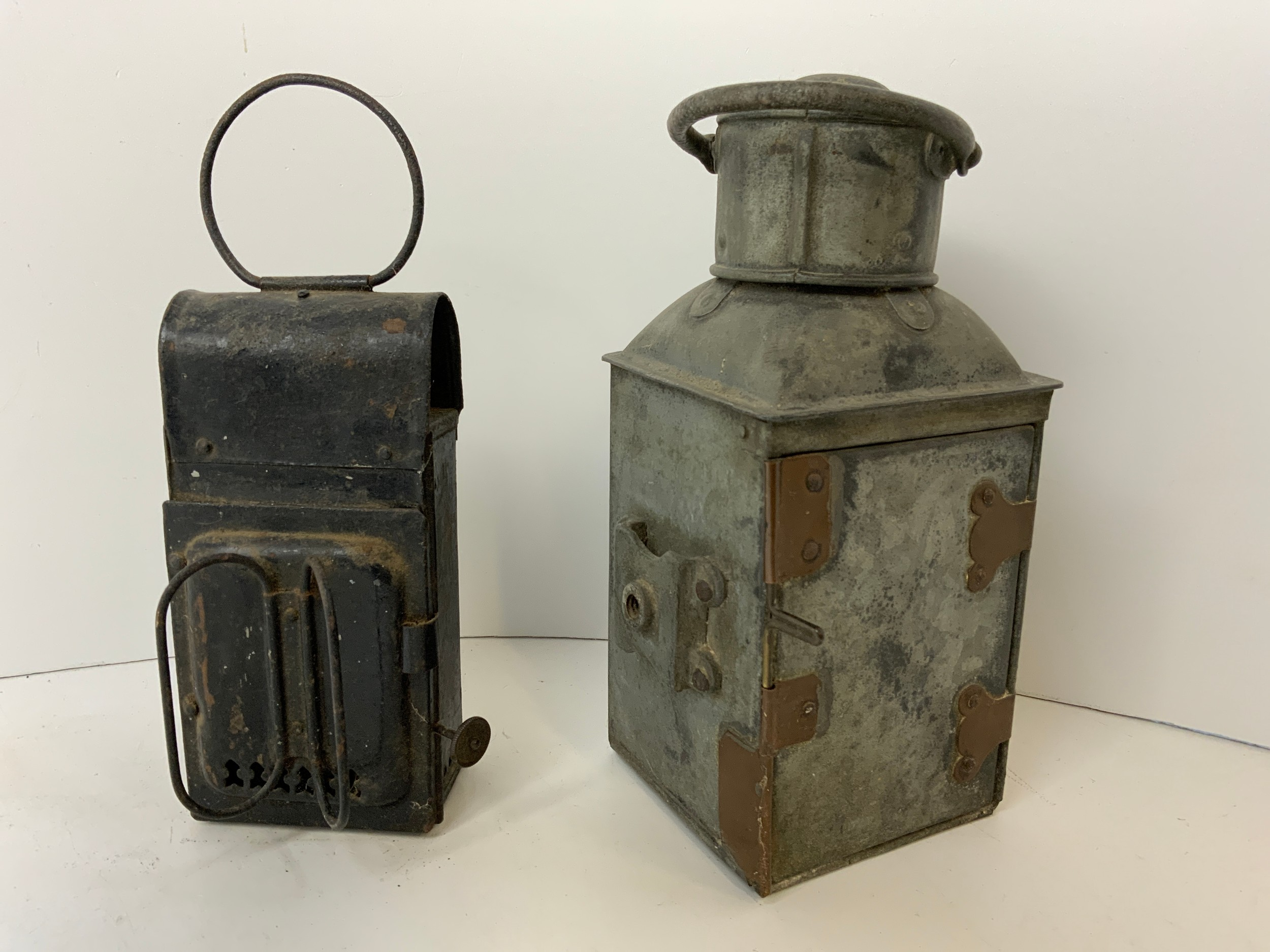 2x Oil Lanterns - One Ships - Image 3 of 3
