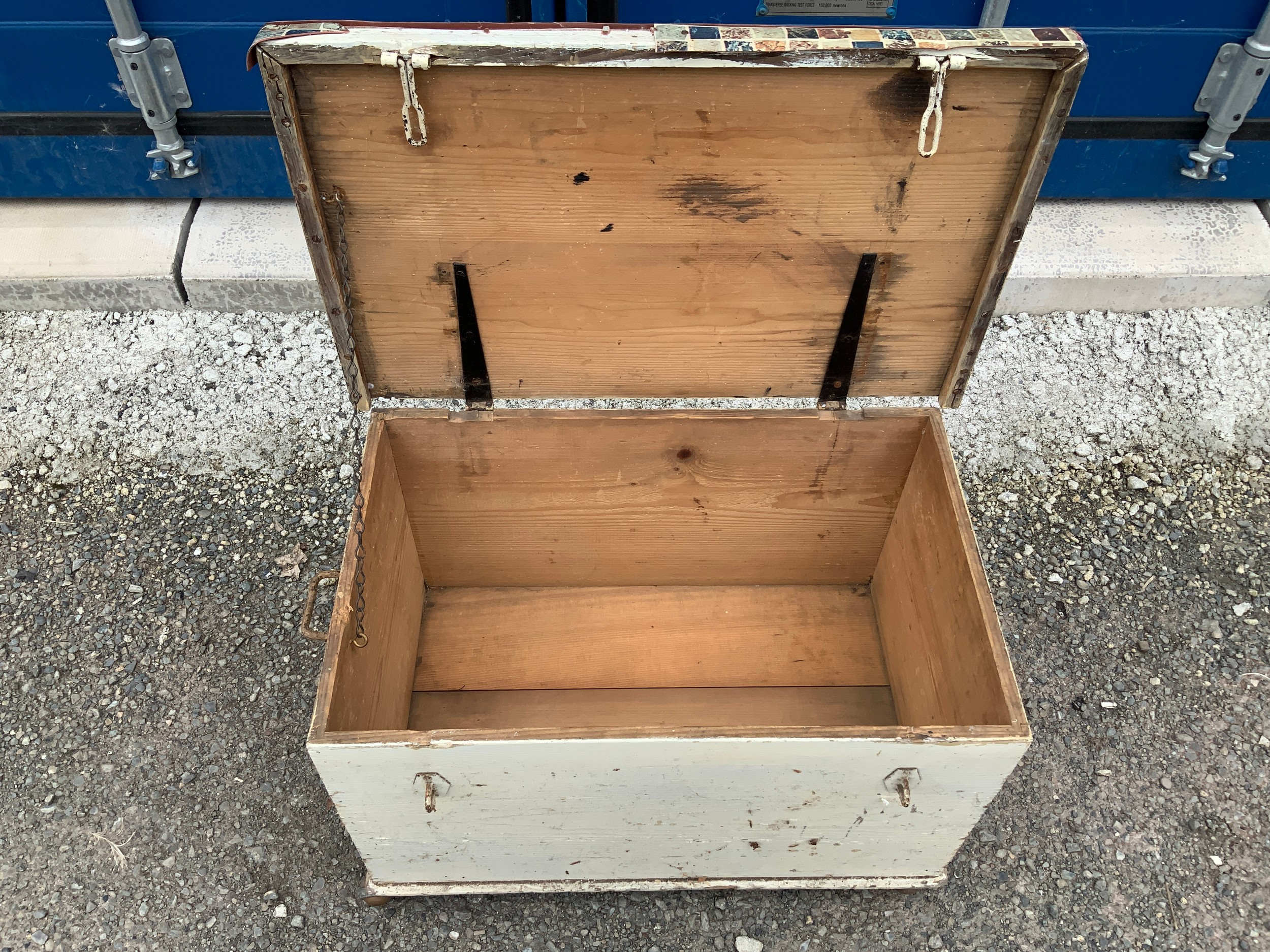 Painted Pine Box - Image 2 of 2