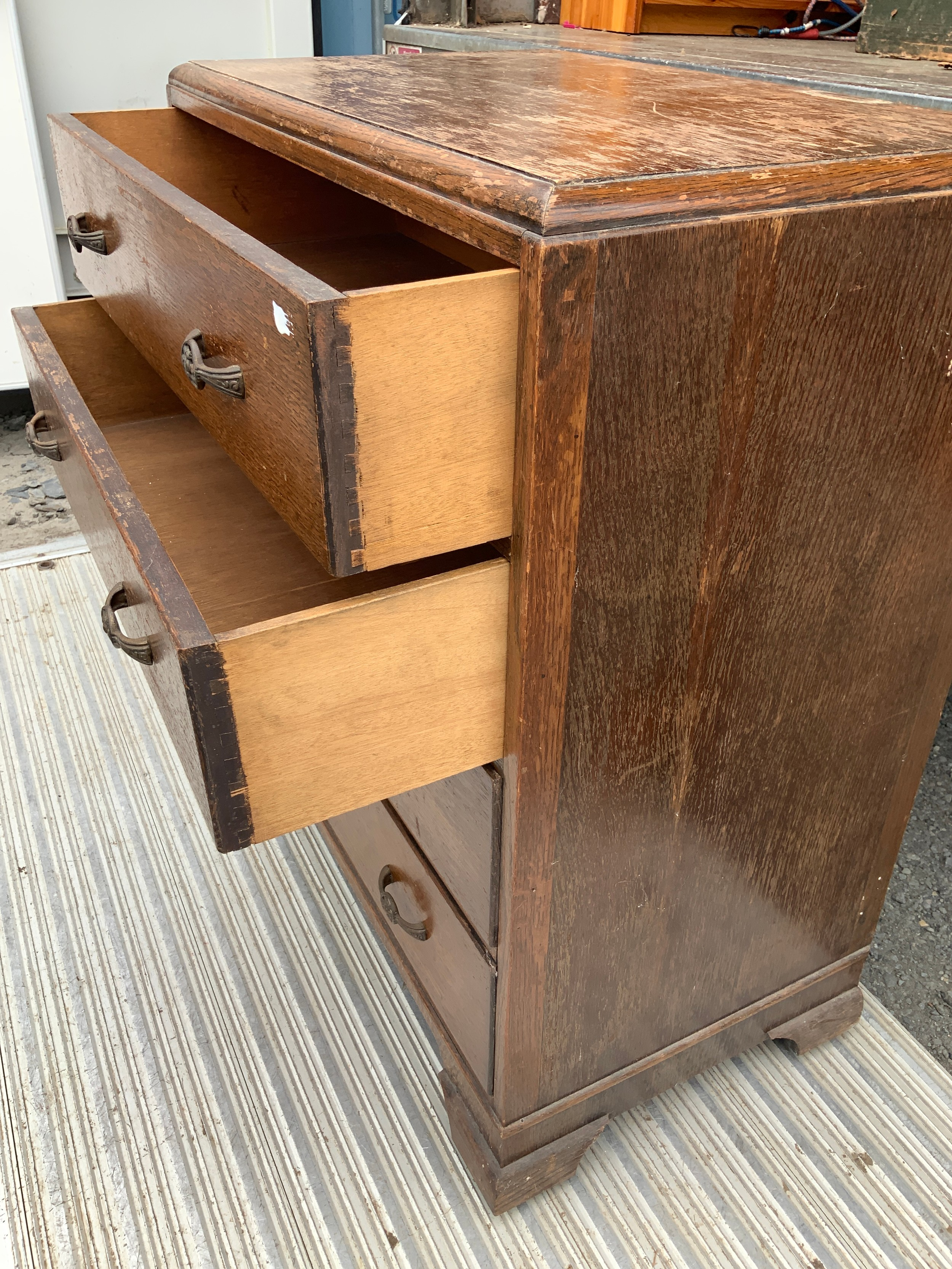 Oak Chest of Drawers - Image 2 of 2