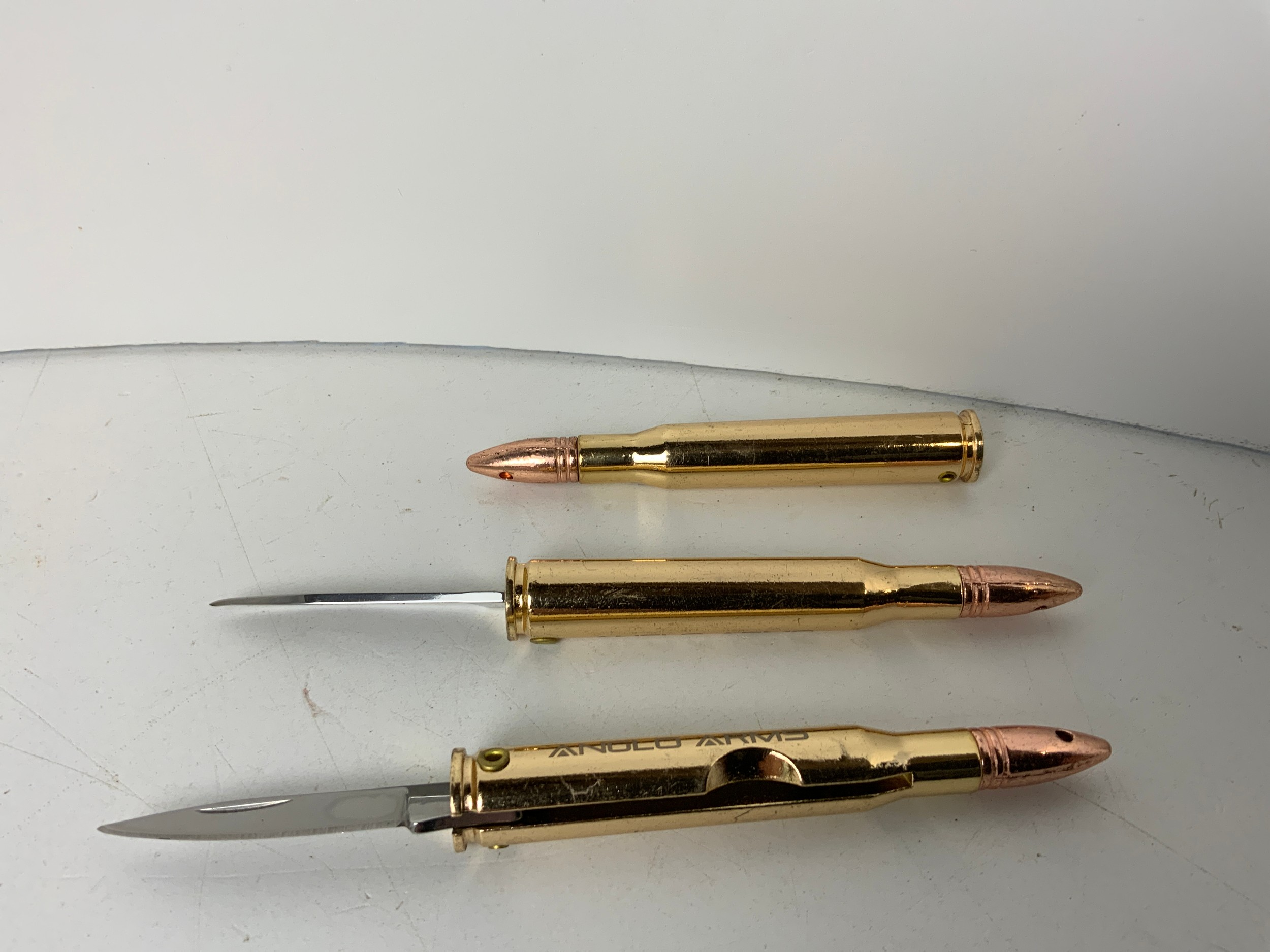 3x Bullet Knives