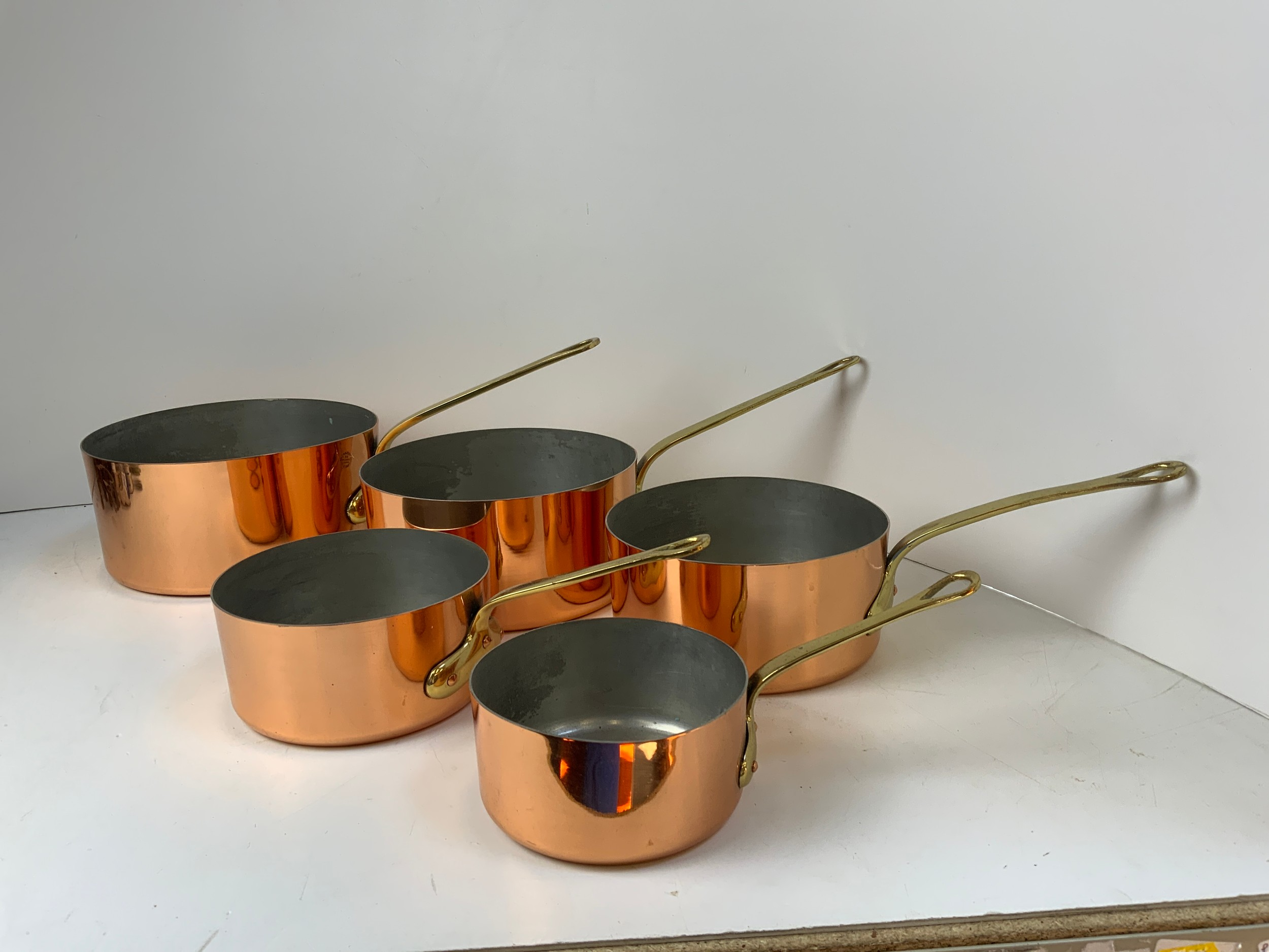 Modern Graduating Copper Pans