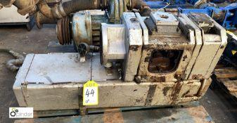 Busch CB0220 D Vacuum Pump (please note this lot has a lift out fee of £10 plus vat)