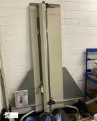 Neolt vertical Foam Trim Plus 160 Board Cutter/Trimmer, with manual (LOCATION: Penistone) (please
