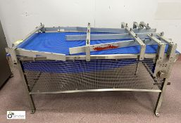 Stainless steel framed adjustable powered Lane Reduction Conveyor, max conveyor width 795mm,