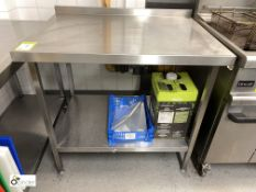 Stainless steel Preparation Table, 1000mm x 650mm x 900mm, with rear lip and undershelf (located