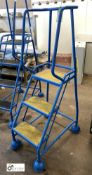 Mobile 3-tread Access Steps (please note there is a lift out fee of £5 on this lot)