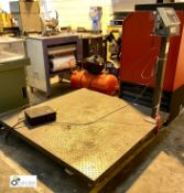 Checkerplate Platform Scales, with Avery Berkel digital read out, 2000kg x 1kg (please note there is
