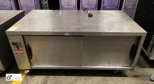 Stainless steel mobile double door Heated Cabinet, 1200mm x 690mm x 560mm high, 240volts (