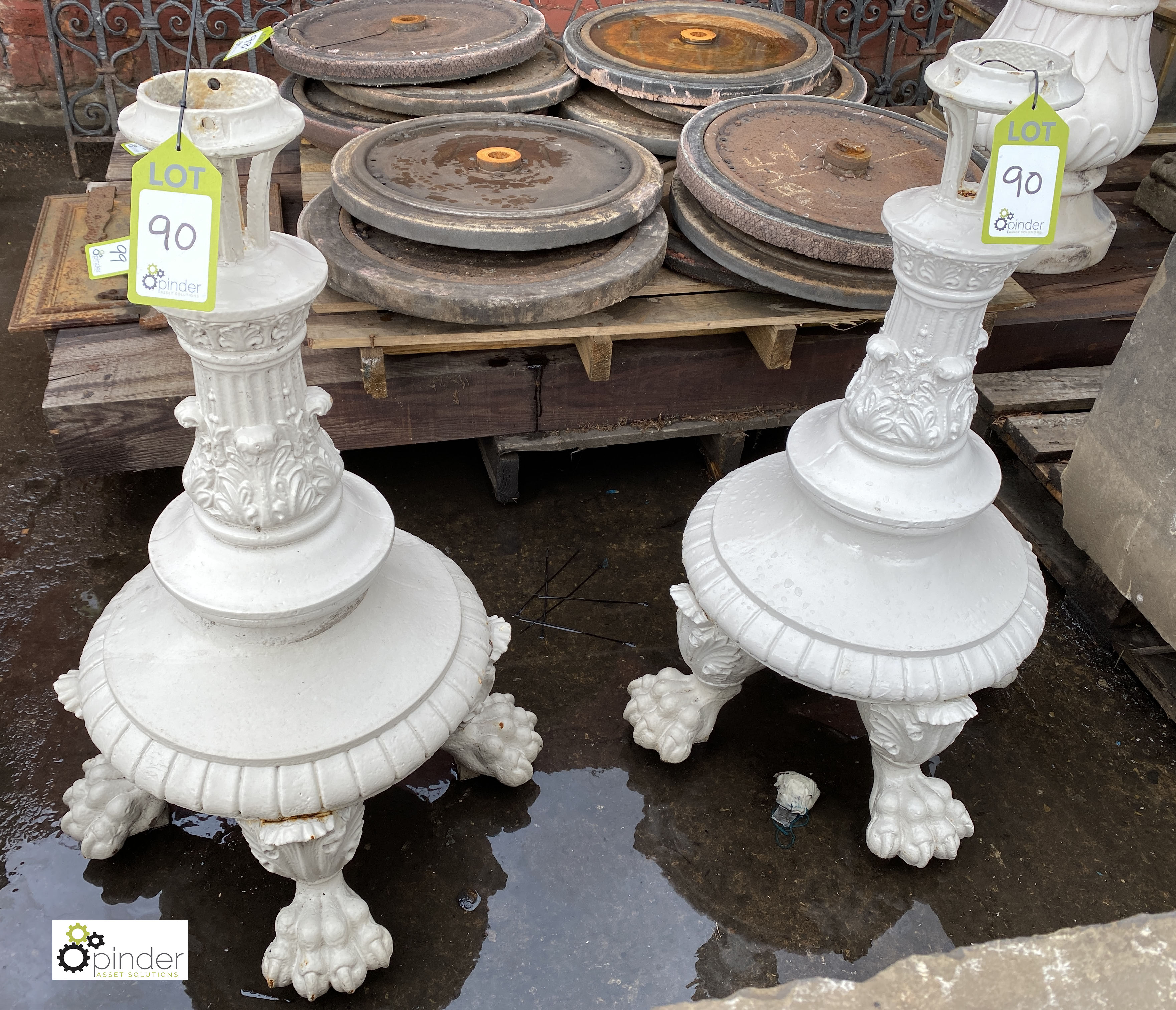 Pair Victorian decorative cast iron Lamp Post Bases, on 4 claw feet, 900mm tall (LOCATION: Sussex