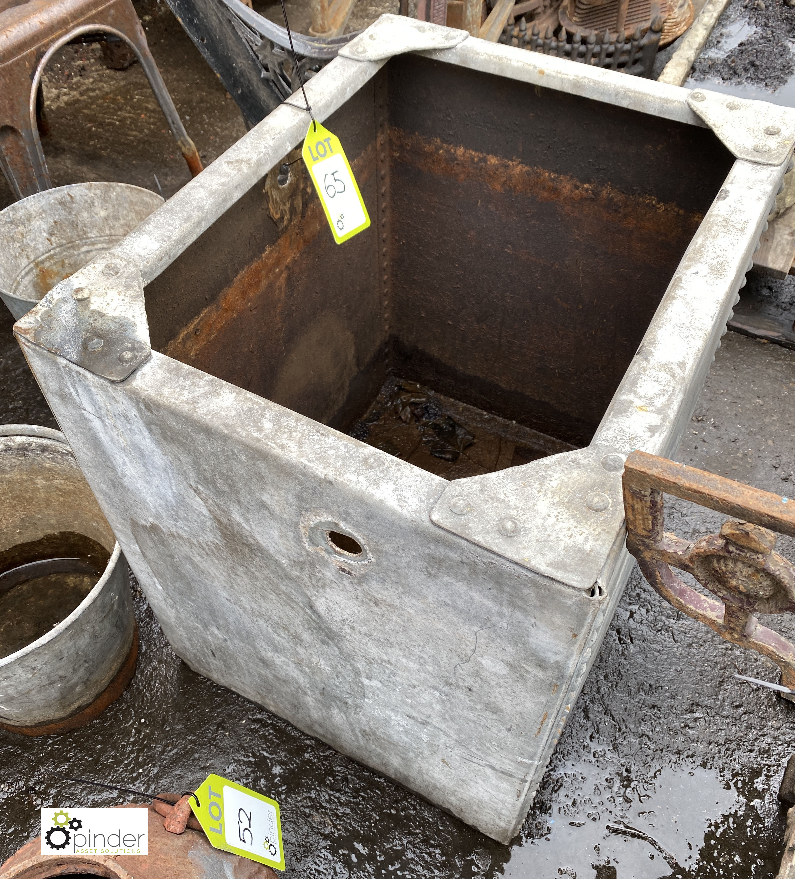 Galvanised Water Tank, 605mm x 480mm x 620mm tall (LOCATION: Sussex Street, Sheffield) - Image 2 of 3