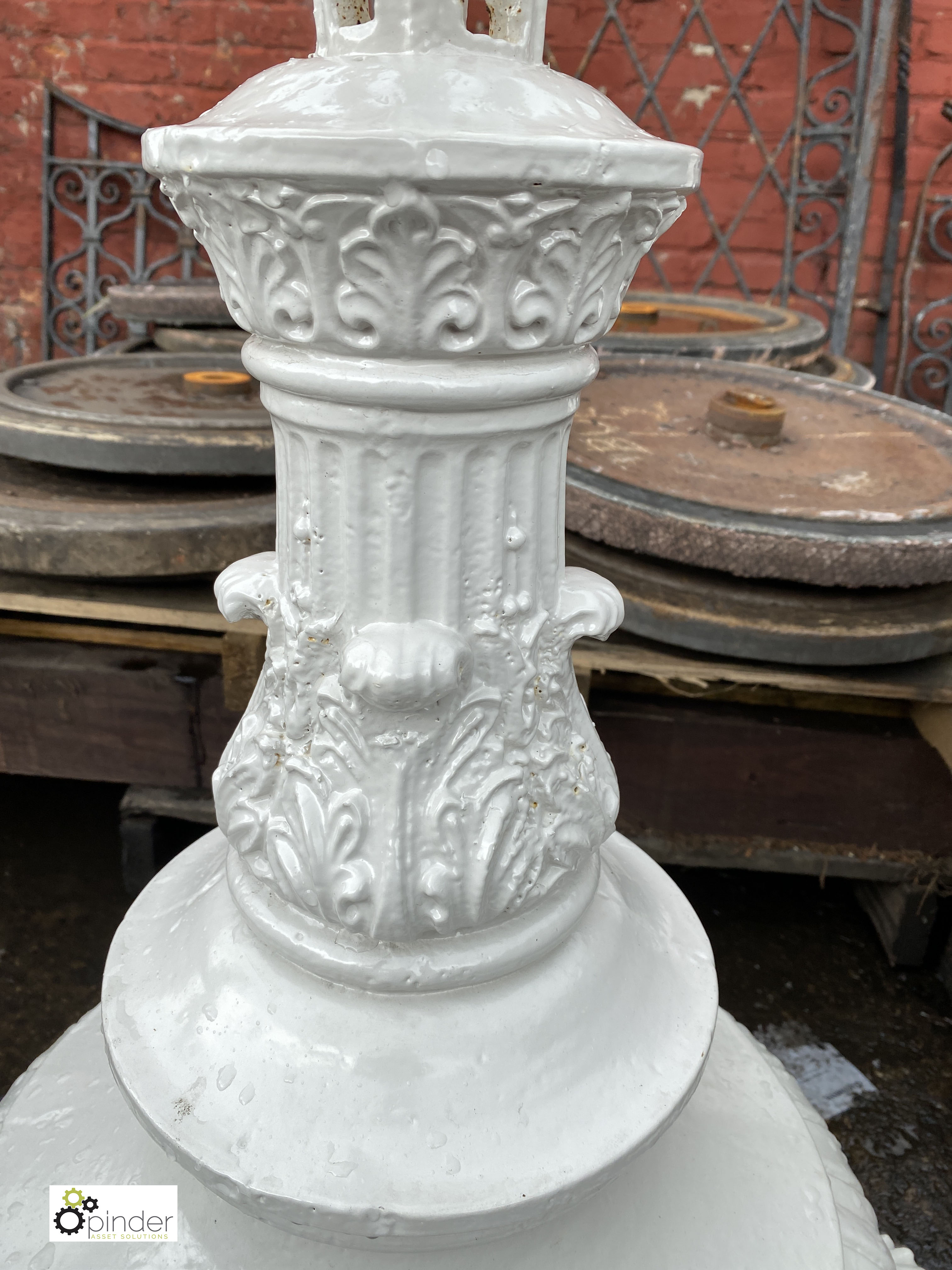 Pair Victorian decorative cast iron Lamp Post Bases, on 4 claw feet, 900mm tall (LOCATION: Sussex - Image 7 of 9