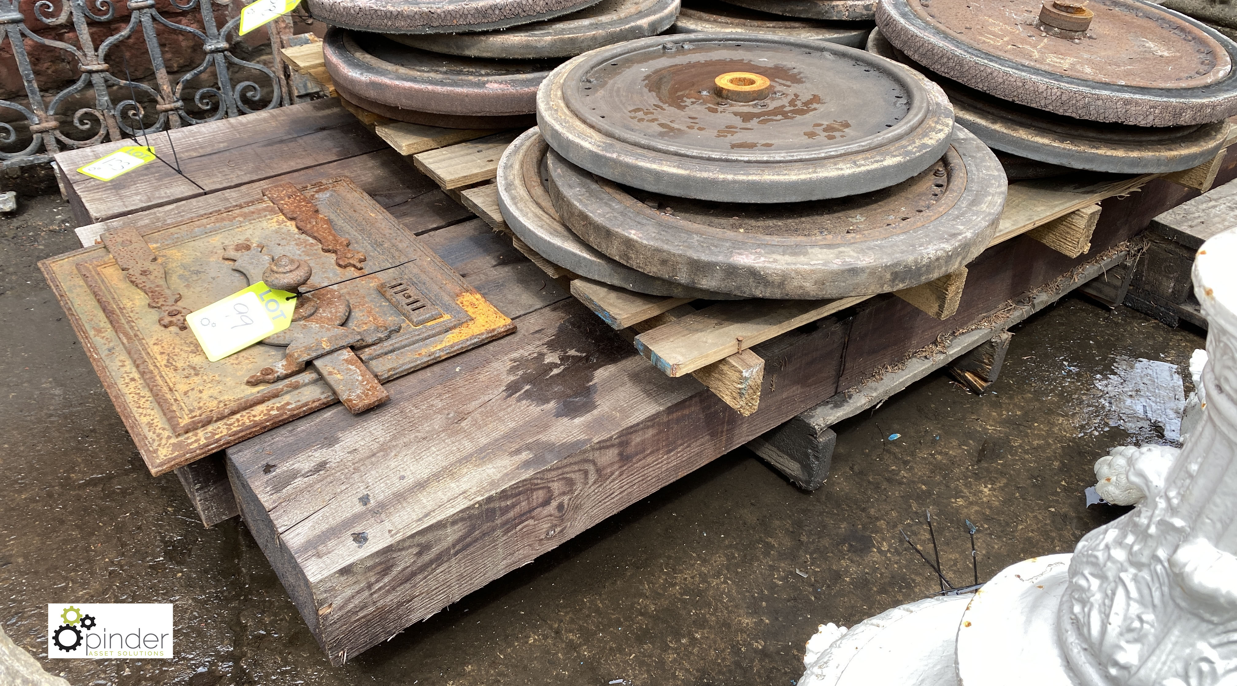 4 Railway Sleepers, 2600mm x 250mm x 135mm (LOCATION: Sussex Street, Sheffield) - Image 3 of 5