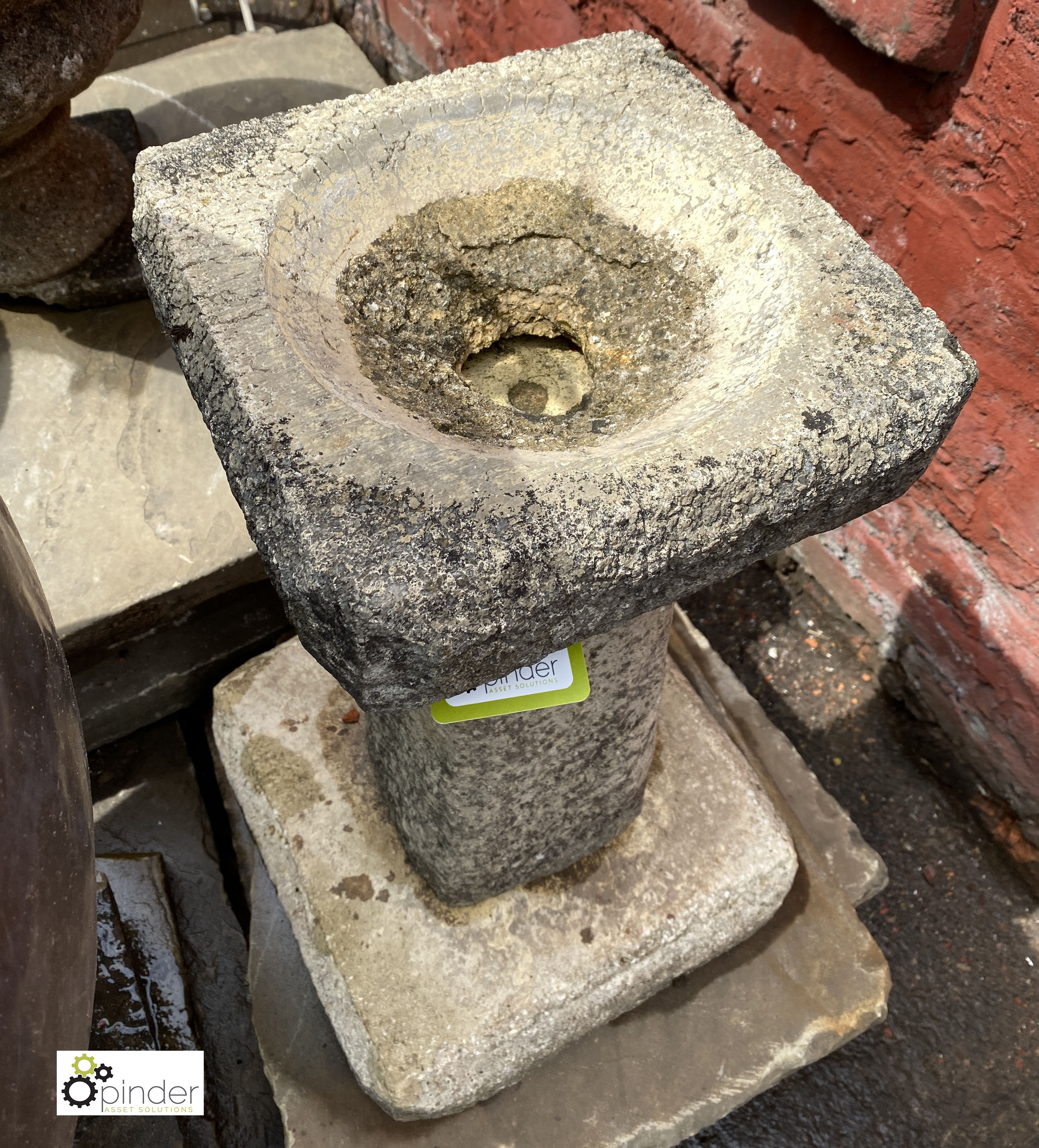 Reconstituted stone Bird Bath, 640mm tall (LOCATION: Sussex Street, Sheffield) - Image 3 of 4
