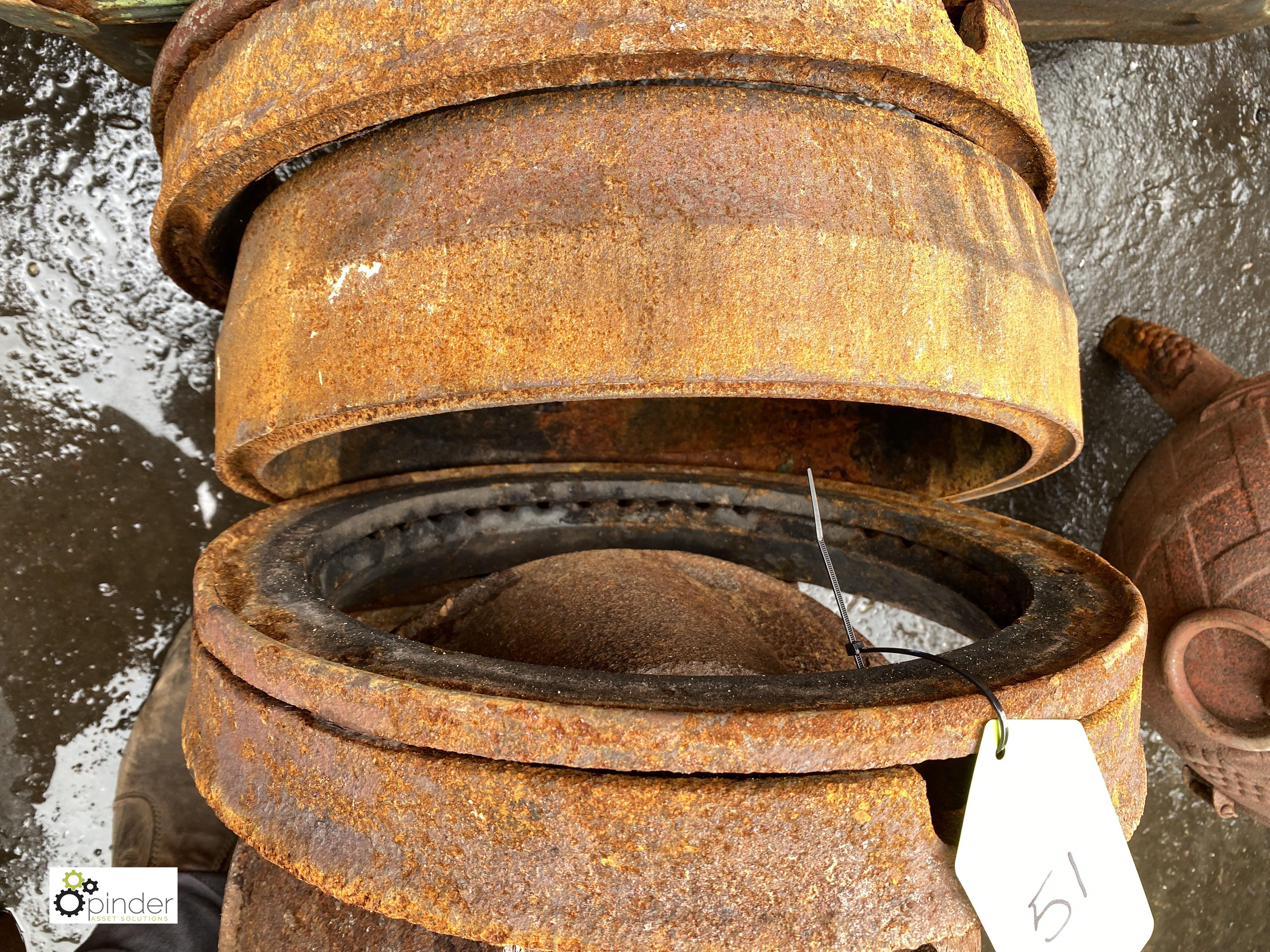3 cast iron Burners, 400mm diameter (LOCATION: Sussex Street, Sheffield) - Image 3 of 3