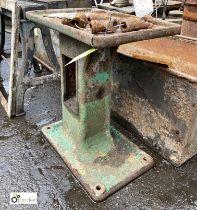 Cast iron Machine Base, 585mm x 370mm x 660mm high (LOCATION: Sussex Street, Sheffield)