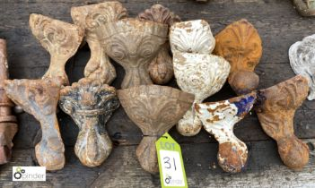 12 various cast iron Decorative Feet (LOCATION: Sussex Street, Sheffield)