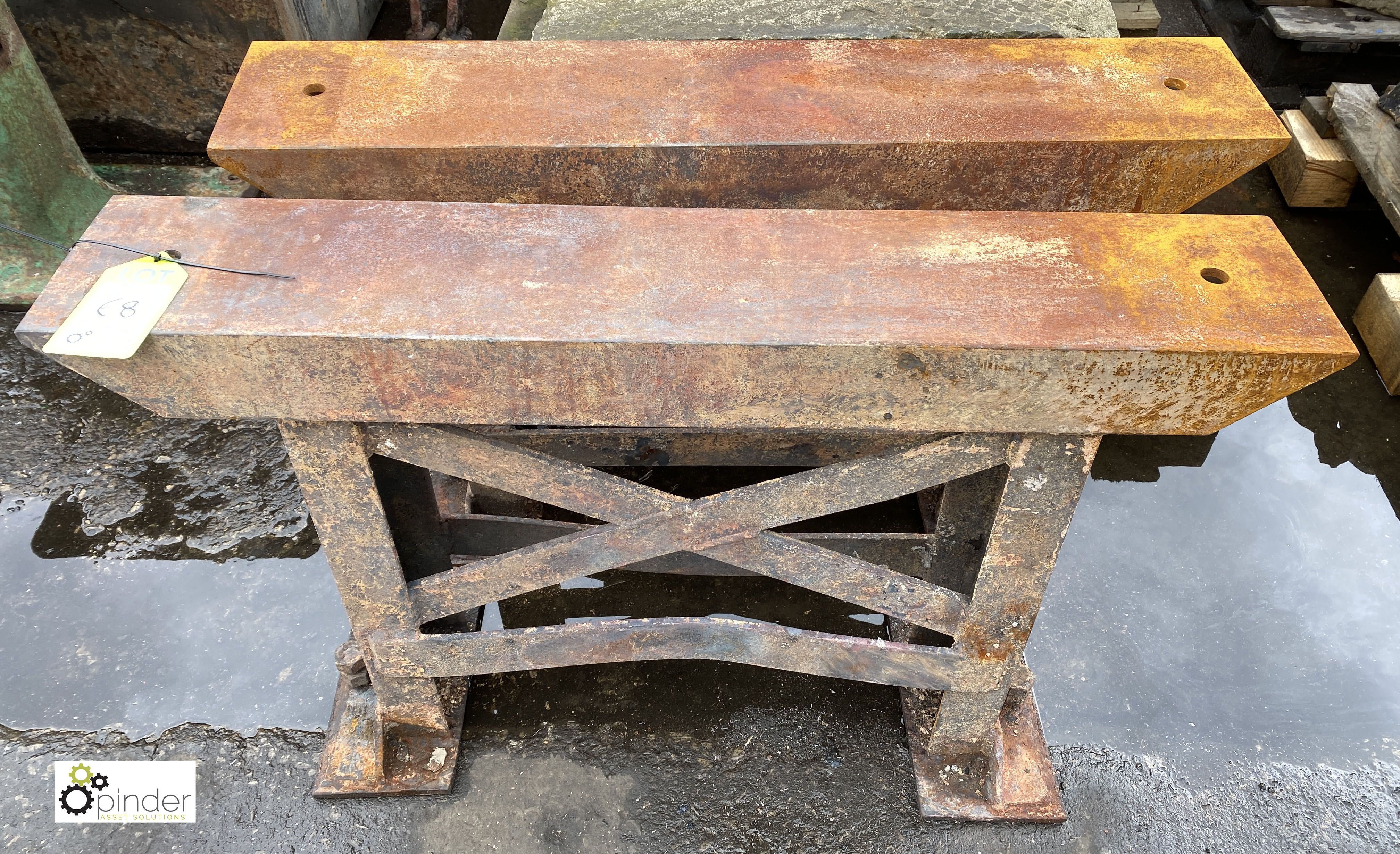 Pair heavy duty cast iron Bench Supports, 960mm x 175mm x 610mm tall (LOCATION: Sussex Street, - Image 3 of 3