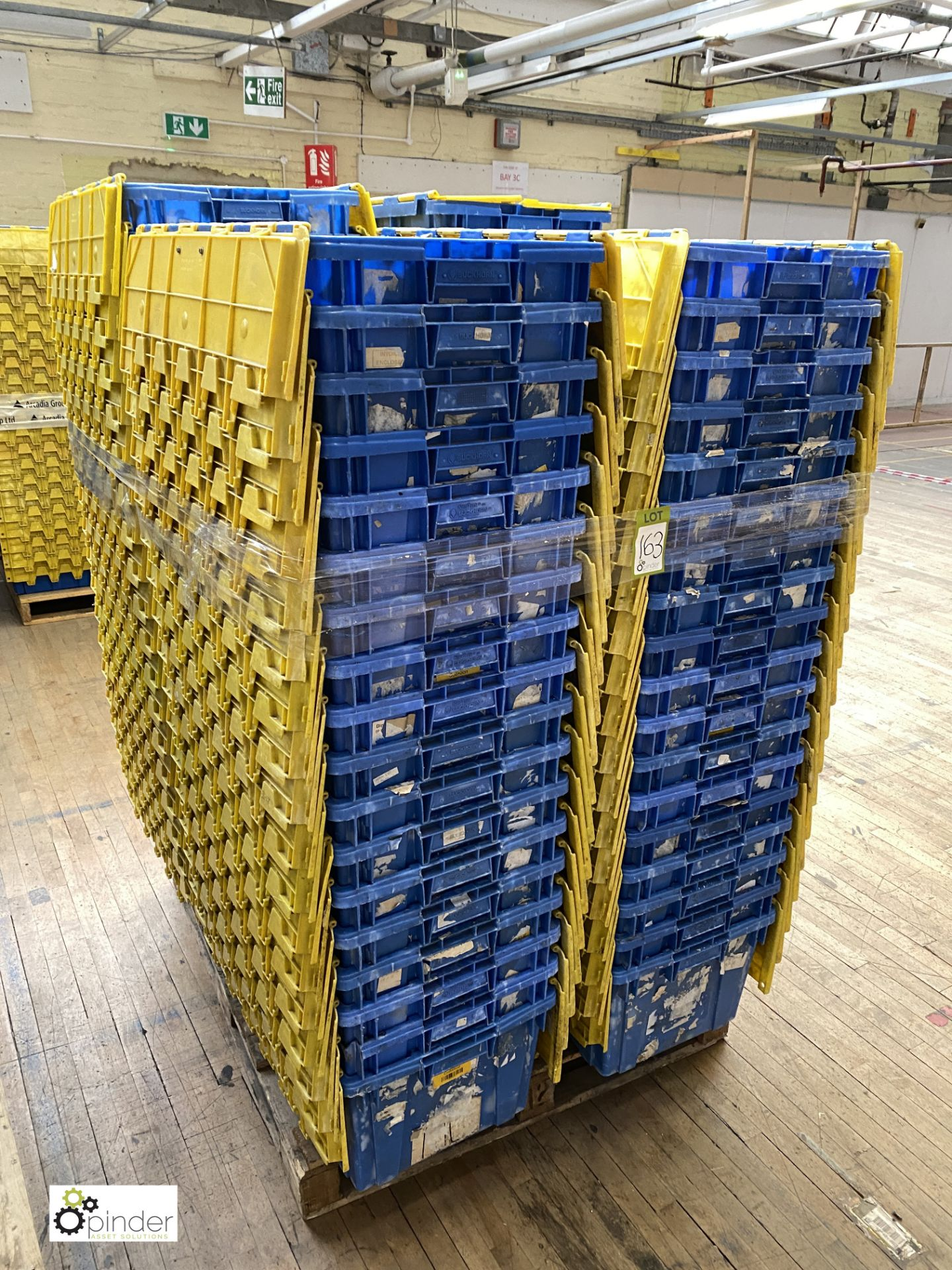 Approx. 72 Buckhorn stackable plastic Storage Containers, 640mm x 380mm x 300mm, with interlocking - Image 3 of 4