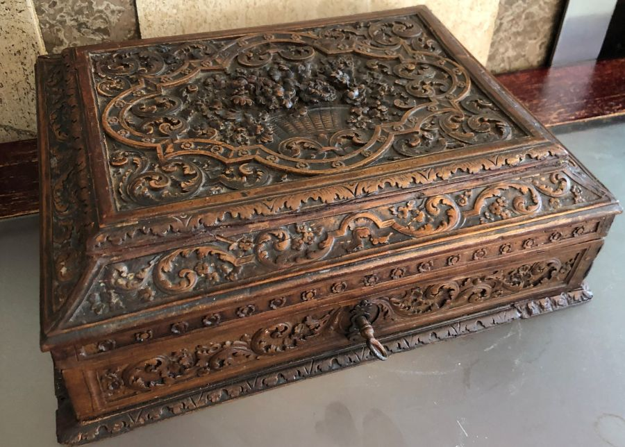 17th Century French Carved Chestnut Box - Image 5 of 9
