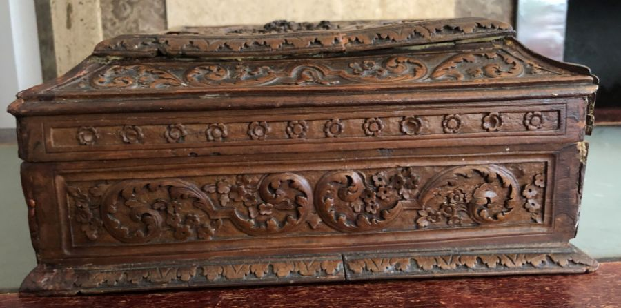 17th Century French Carved Chestnut Box - Image 8 of 9