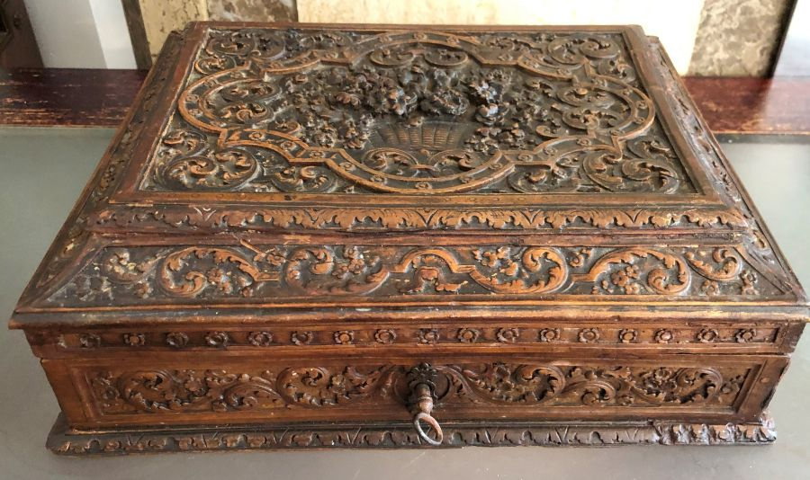 17th Century French Carved Chestnut Box - Image 4 of 9