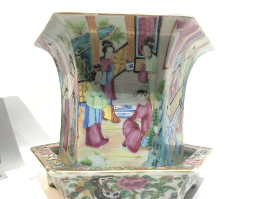 19th Century Pair Of Chinese Famille Rose Panelled Planters - Image 14 of 15