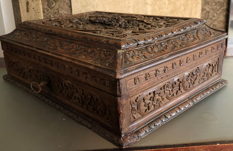 17th Century French Carved Chestnut Box - Image 6 of 9
