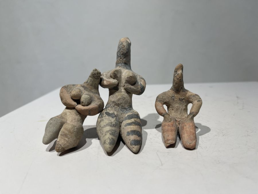 2nd millennium BC clay figurines of mother goddesses of ancient Near East - Image 5 of 9