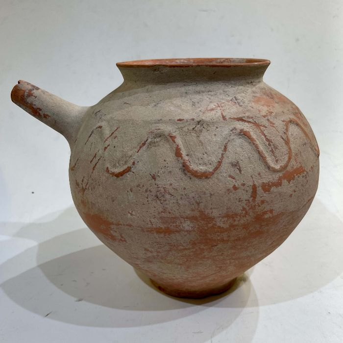 Clay water jar with serpent motive around its rim , Bactrian period 1st millennium BC - Image 3 of 6