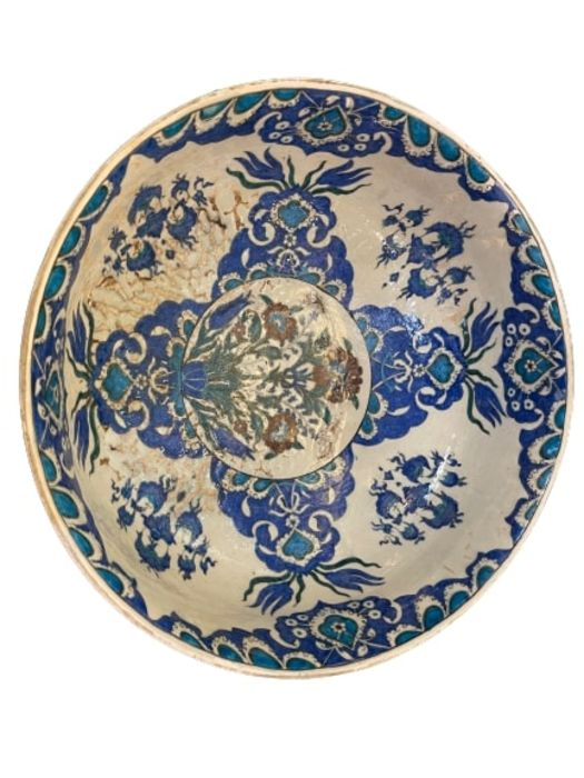 A LARGE CANTAGALLI IZNIK-STYLE POTTERY FOOTED BOWL, ITALY, 19TH CENTURY - Image 8 of 14