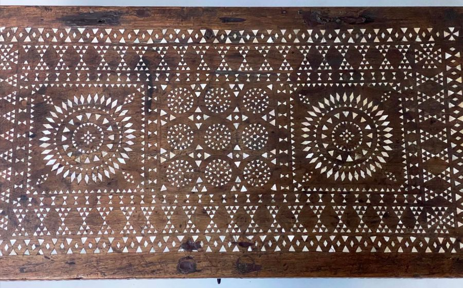 18TH CENTURY INDO PORTGUESE MICROMOSAIC INLAID TABLE CABINET TRUNK - Image 4 of 7