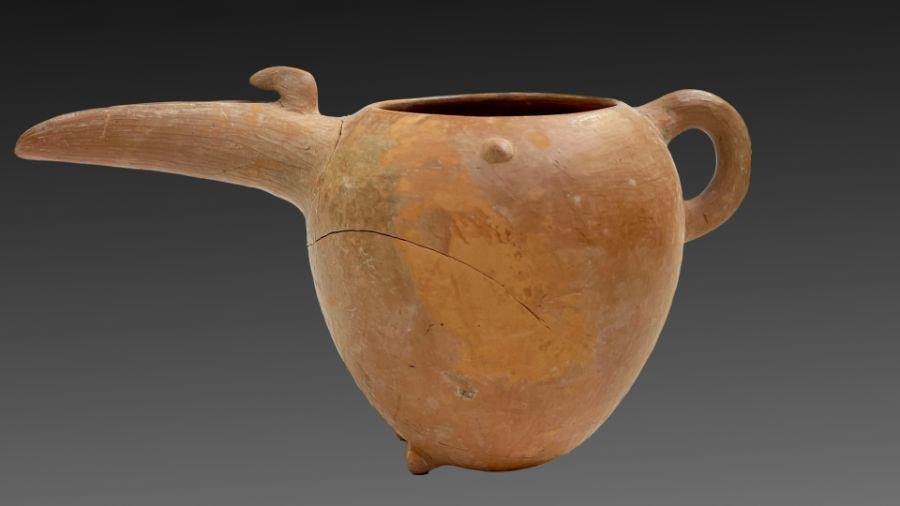 Amlash period red clay beaker circa 1st millennium BC