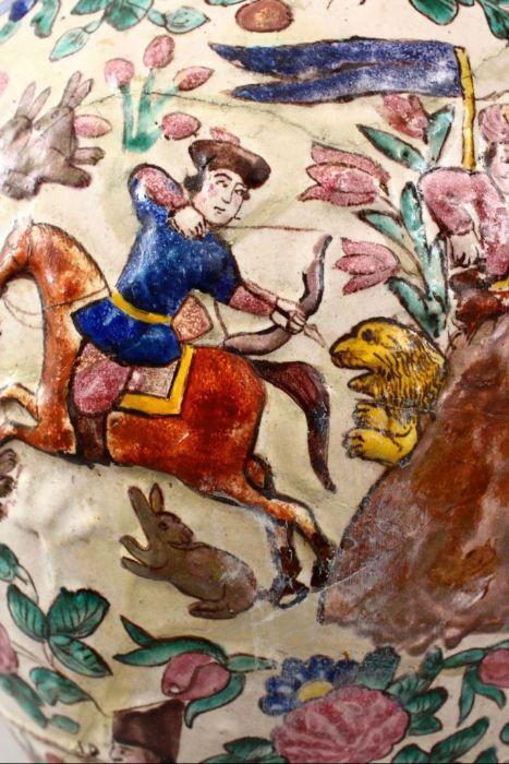 Large 18th Century Zandiyeh Pottery JAR & cover - Image 5 of 6