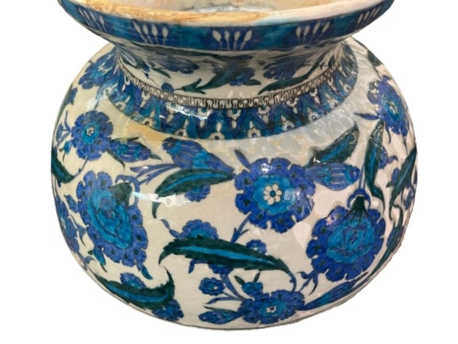 A LARGE CANTAGALLI IZNIK-STYLE POTTERY FOOTED BOWL, ITALY, 19TH CENTURY - Image 10 of 14