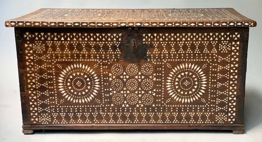 18TH CENTURY INDO PORTGUESE MICROMOSAIC INLAID TABLE CABINET TRUNK - Image 7 of 7