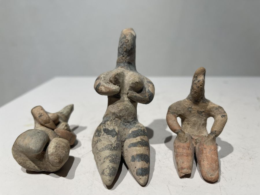 2nd millennium BC clay figurines of mother goddesses of ancient Near East - Image 9 of 9