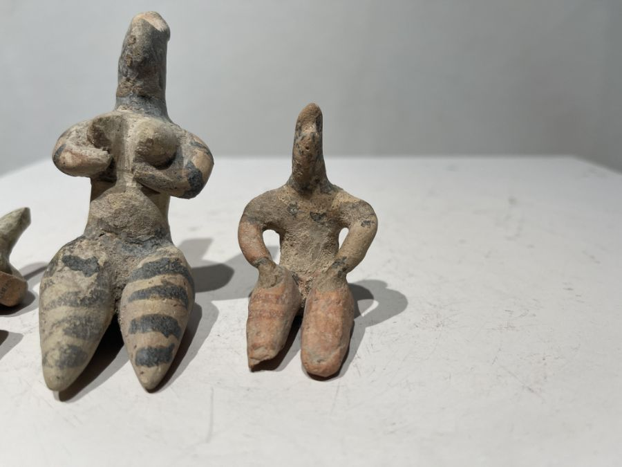 2nd millennium BC clay figurines of mother goddesses of ancient Near East - Image 8 of 9