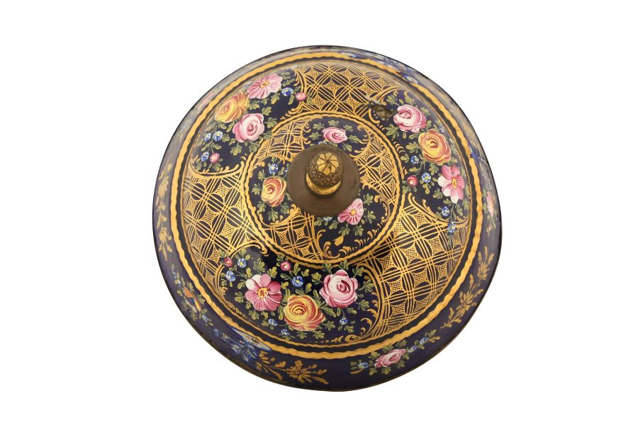 A SULEYMANIYE POLYCHROME-ENAMELLED AND GILT DISH COVER - Image 3 of 5