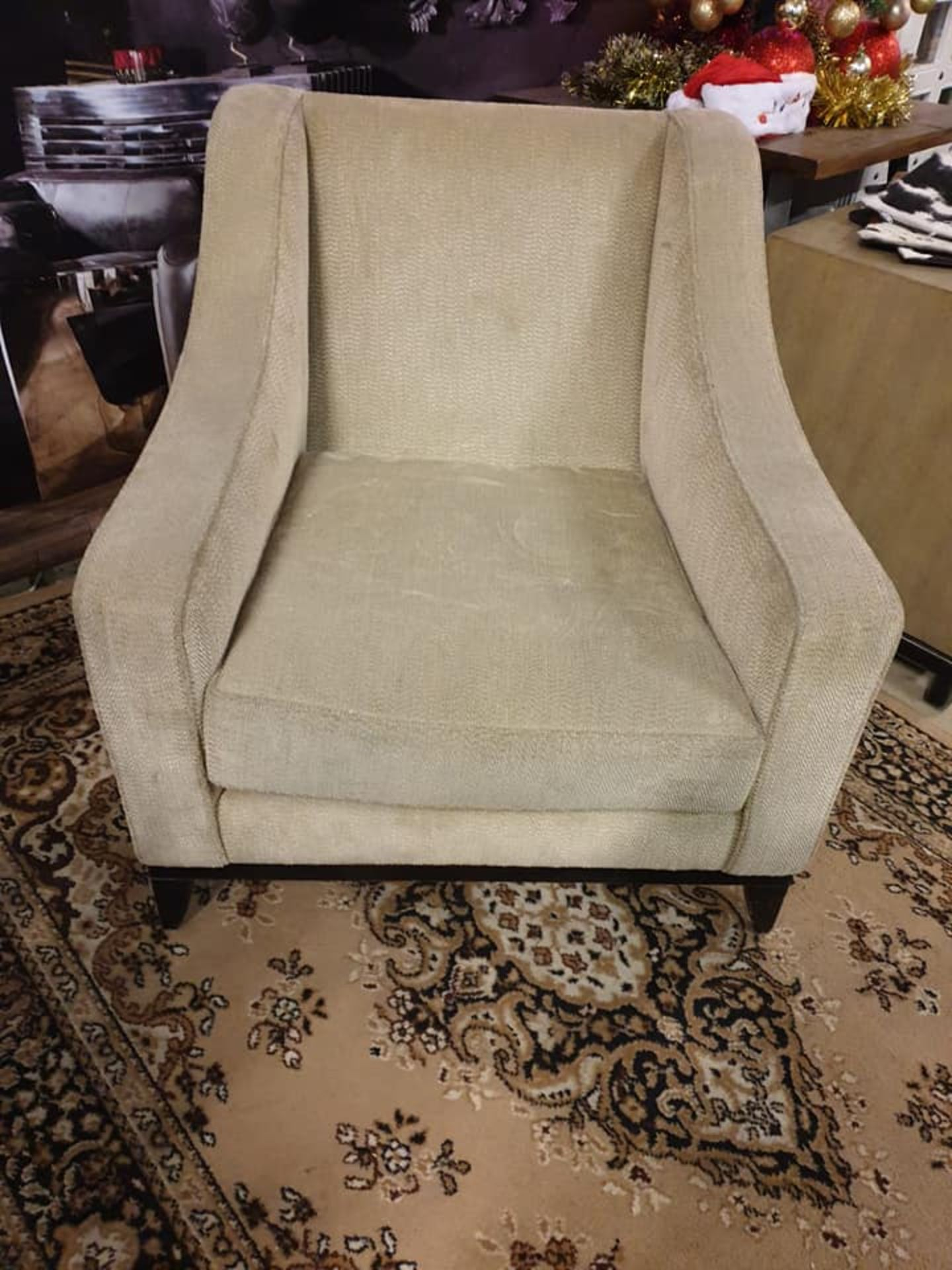 A Pair Of Luxury Upholstered Cream Large Armchairs 84 X 70 X 87cm - Image 2 of 2