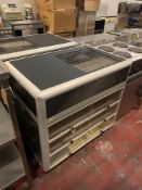 Lincat D6R_100S Seal 650 Series Counter-Top Rectangular Front Refrigerated Merchandiser - Self-