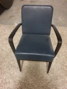 A Set Of 4 X Dining Chairs With Arms Features Detailed Craftsmanship Comfortable Padded Seats And