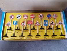 Bluebox Toys #7902 Traffic Signs