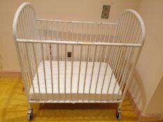 Fundations PINNACLE STEEL FOLDING COMPACT CRIB White Steel Folding Compact Crib is a smart choice